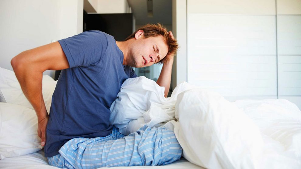 استراحت مطلق برای کمر درد مضر یا مفید؟