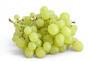 انگور سبز grapes_on_white