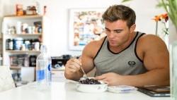 بهترین تغذیه برای عضله سازی قبل و بعد از تمرین