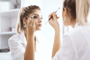 08-makeup-rules-you-should-know-by-the-time-youre-40