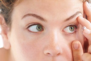 11 Mistakes Contact Lens Wearers Make