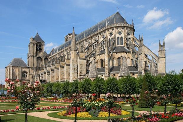 کلیساهای معروف فرانسه,کلیسای Bourge