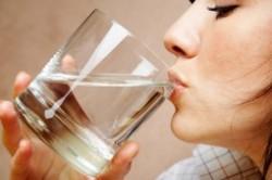 خواص نوشیدن آب با معده خالی
