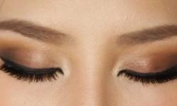 طرز کشیدن سایه چشم دودی چگونه است؟
