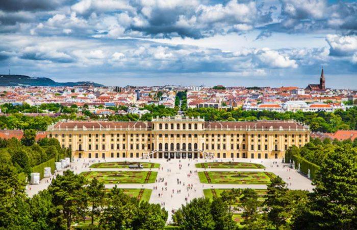 schonbrunn_palace-700x450