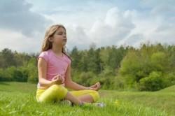 آموزش حرکات یوگا برای آرامش ذهن کودکان