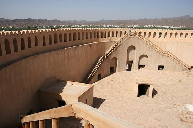 مناطق دیدنی عمان,2-nizwa
