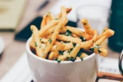برای داشتن شکم صاف و شش تکه این غذاها را نخورید!