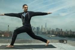 یوگای داغ چیست؟ راهنمای یوگا برای افراد مبتدی
