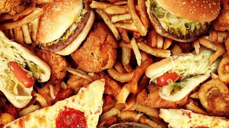 غذاهای مضر بیماری کم کاری تیروئید