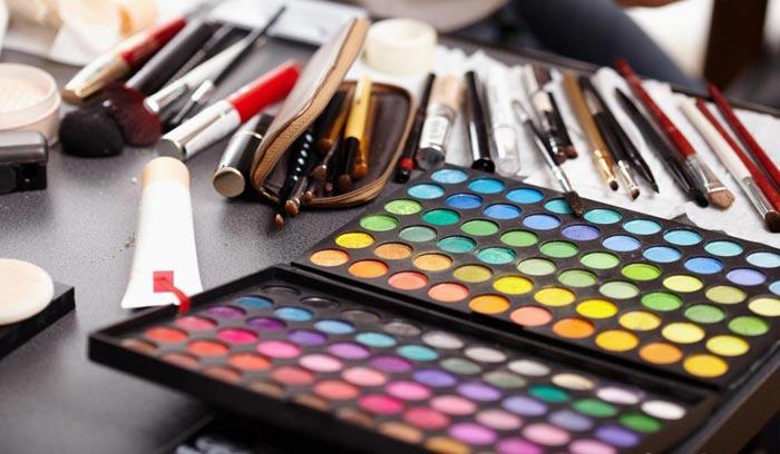 کسب درآمد از آرایشگری makeup