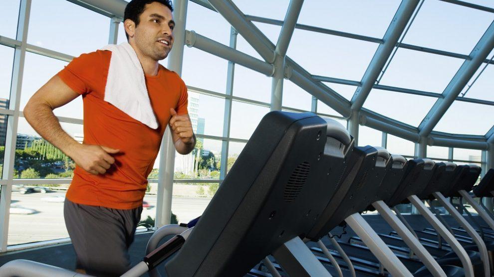 Treadmill-Hacks-That-Help-Burn-More-Calories