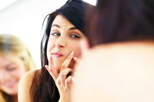 Bad Habits That Are Clogging Your Pores