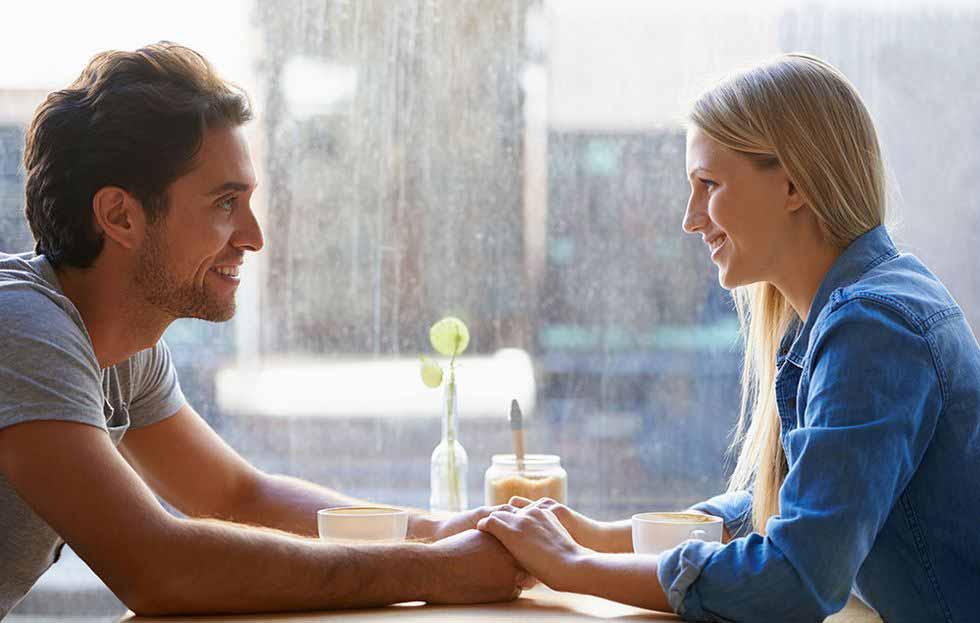 زبان عشق چیست و چگونه کار میکند؟ ۵ نوع زبان عشق