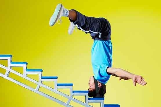 رکورد گینس صعود پله با سر