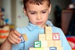 بیماری اوتیسم و علایم آن