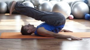 5_Yoga_Moves_for_Football_Players