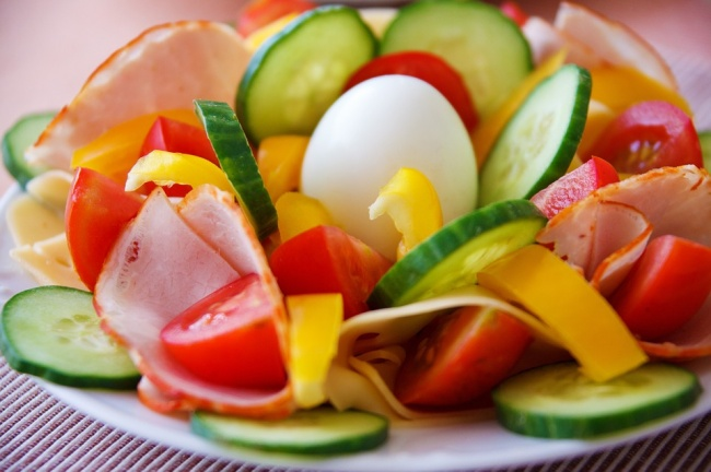 Vegetables and boiled eggs