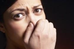 چرا عرق بدن بوی بد میدهد؟