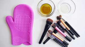 clean-your-makeup-brushes