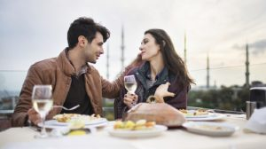 couple-dining-eating-romance