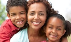 بررسی مشکلات زنان سرپرست خانوار
