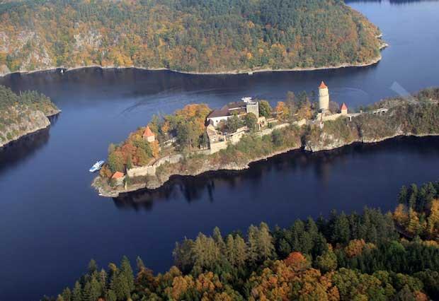 قلعه Zvikov