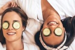 5 راه درمان خانگی چشم های پف کرده