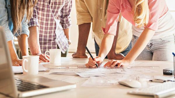 How to build and maintain brand consistency راه های موندگار کردن نام برند تو ذهن مشتری