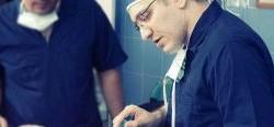 فیلم واقعی جراحی زیبایی بینی توسط جراح دکتر کاظمی