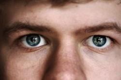 کارهای مضر برای چشم