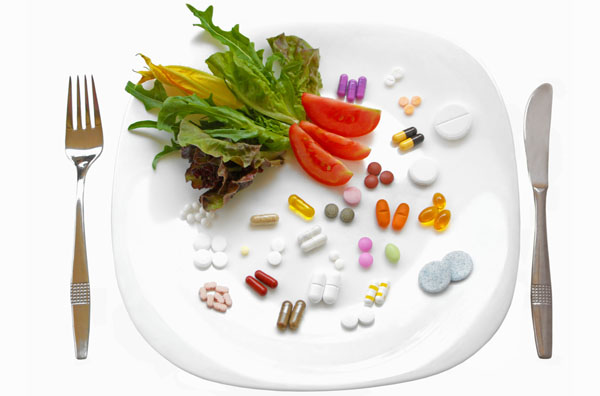 medicine-and-food-on-the-plate