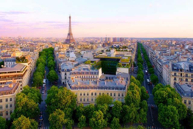 parisهزینه سفر به پاریس