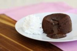 طرز تهیه کاپ کیک مغزدار شکلاتی