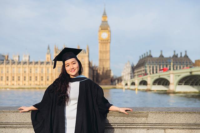 موفقیت در کار و کاسبی بدون مدرک دانشگاهیGraduated