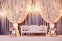 جایگاه عروس و داماد در تالار عروسی چگونه باید باشد؟