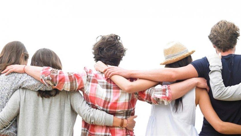 چگونه دوستانمان را نگه داریم و دوستی را محکم کنیم؟ ۲۵ راه تقویت رابطه دوستی