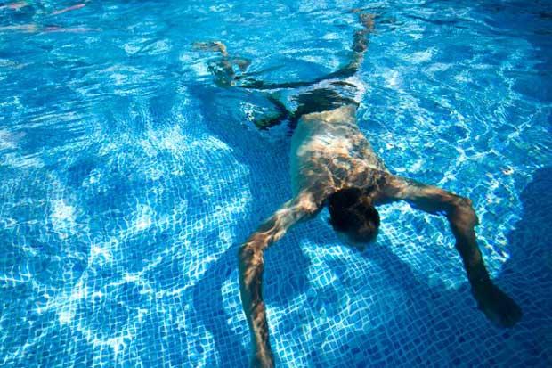 غرق شدن در استخر pool-Drown