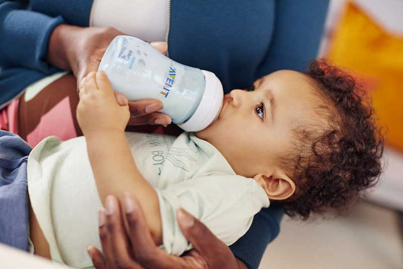 شیشه شیر مطلوب برای تغذیه با شیر مادر