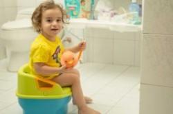 چه زمانی برای گرفتن کودک از پوشک مناسب است؟