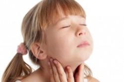 بهترین درمان های طبیعی برای گلو درد
