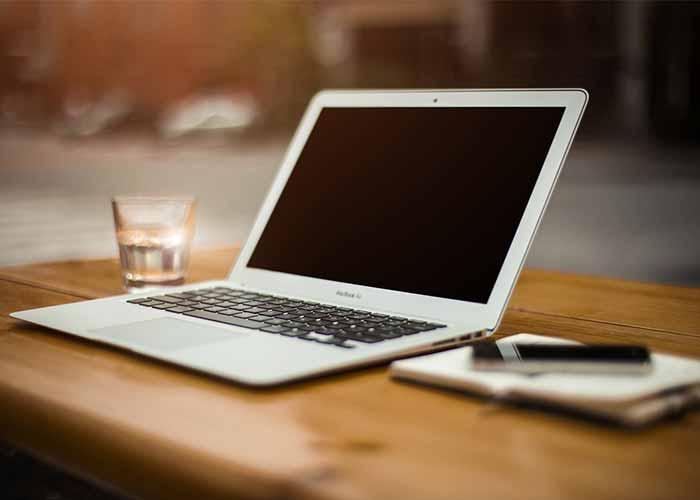 کسب درآمد فقط با یک لپ تاپ و دسترسی به اینترنت