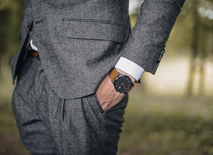 اهمیت لباس پوشیدن در محل کار