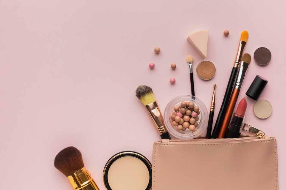 7 قلم لوازم آرایش مورد نیاز کیف آرایشی