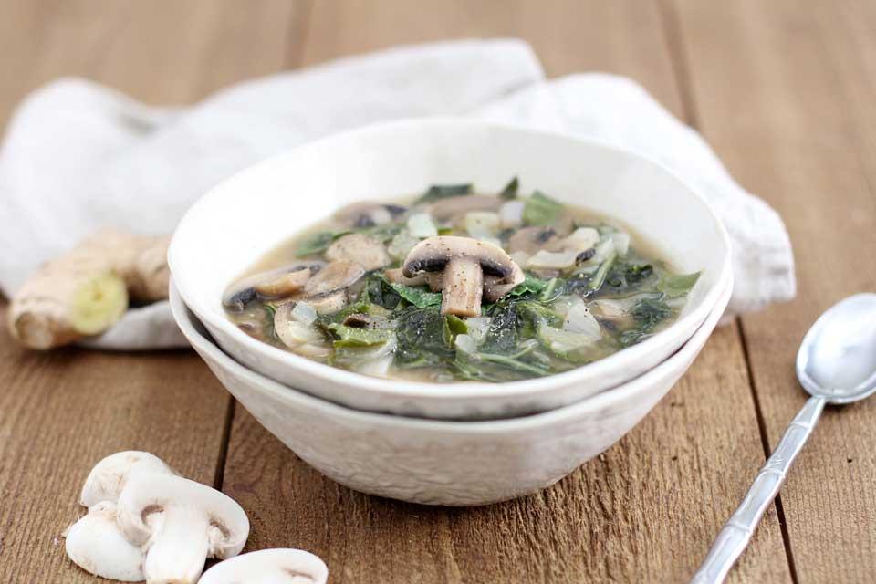 طرز تهیه سوپ میسو با قارچ