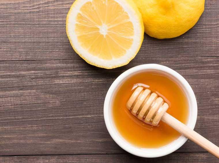 ماسک پاک کننده صورت عسل و لیمو
