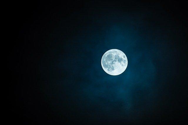 تعبیر دیدن ماه کامل چیست