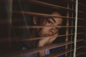 گیر افتادن عاطفی چیست؟