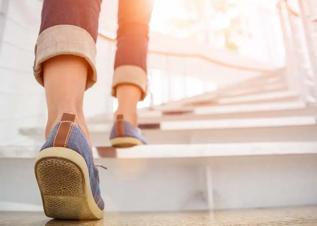 چگونه با پیاده روی لاغر شویم