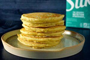 طرز تهیه پنکیک ساده و خوشمزه بدون شیر، آرد و تخم مرغ!